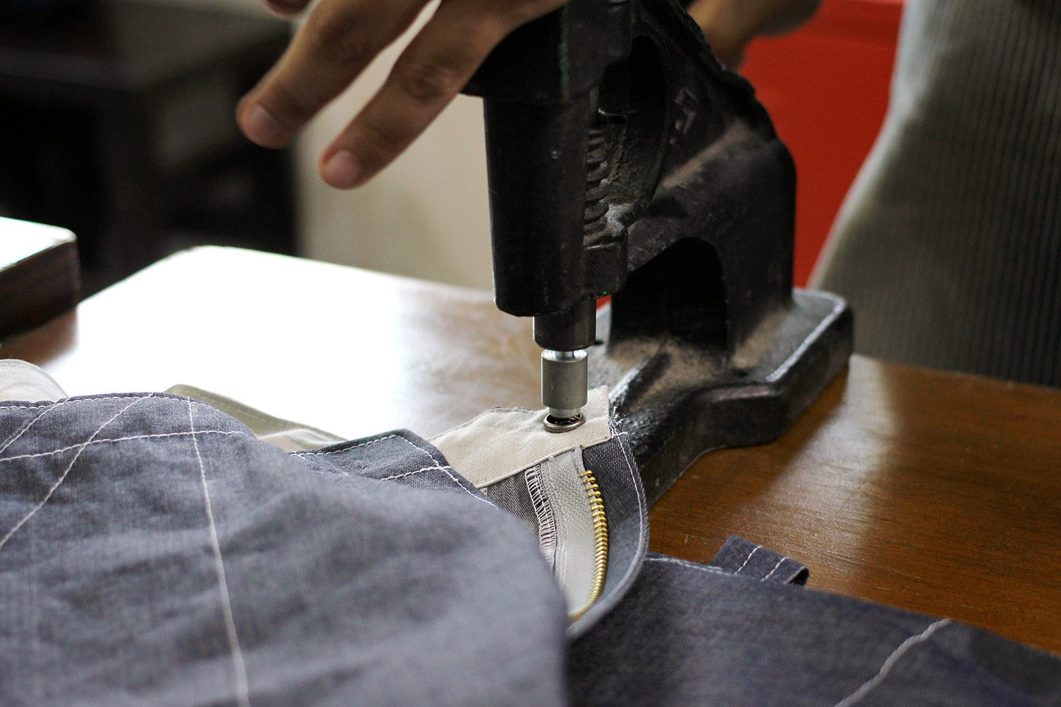 Neighbourlist_Indoestri_denim_short_making_15