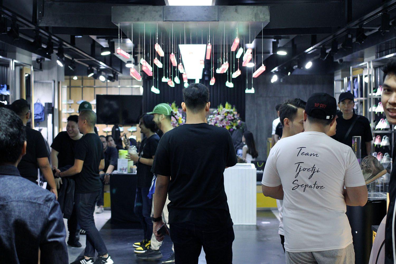 SEEK Store Jakarta Neighbourlist 8