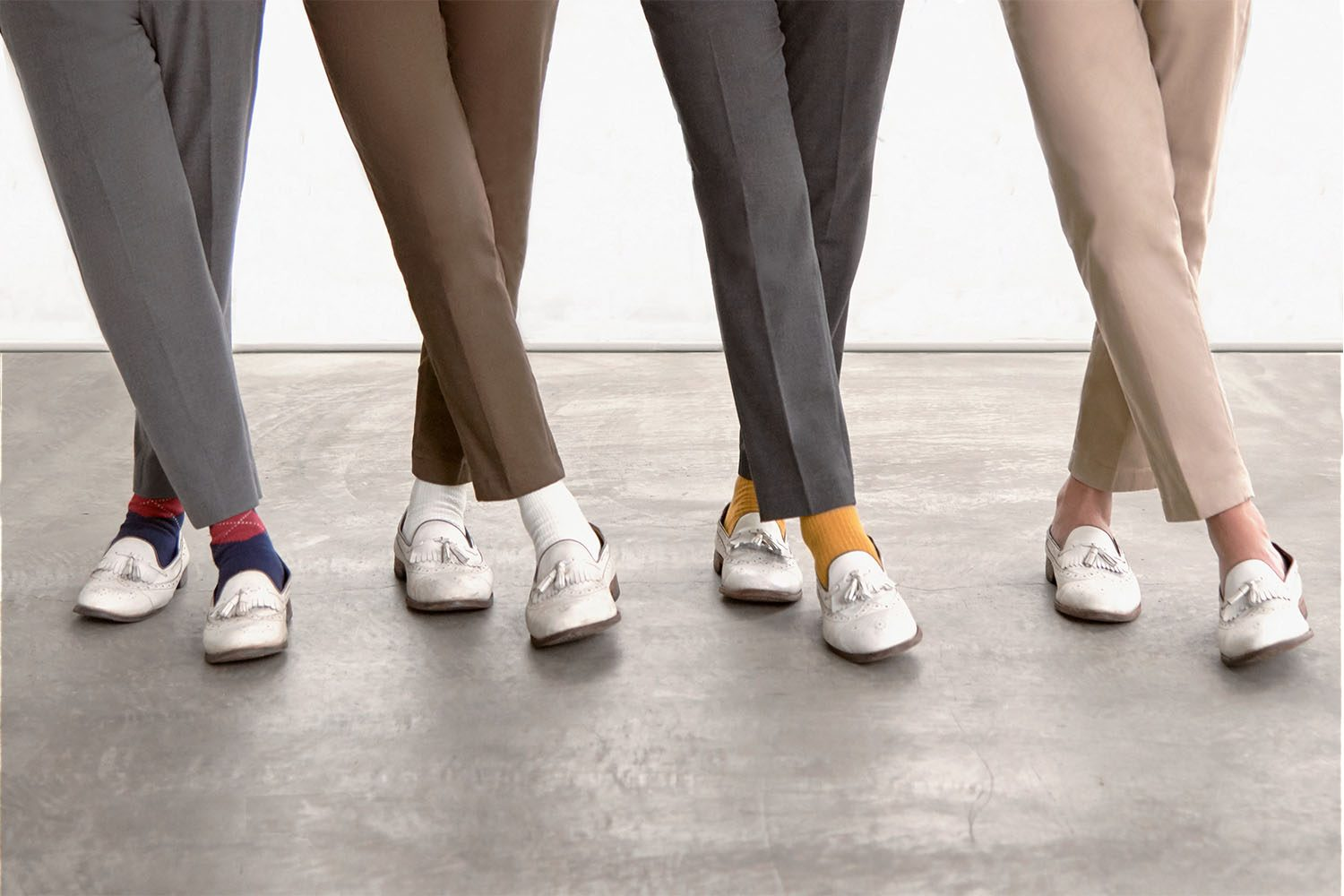 UNIQLO INDONESIA X WHITE SHOES AND THE COUPLES COMPANY 2