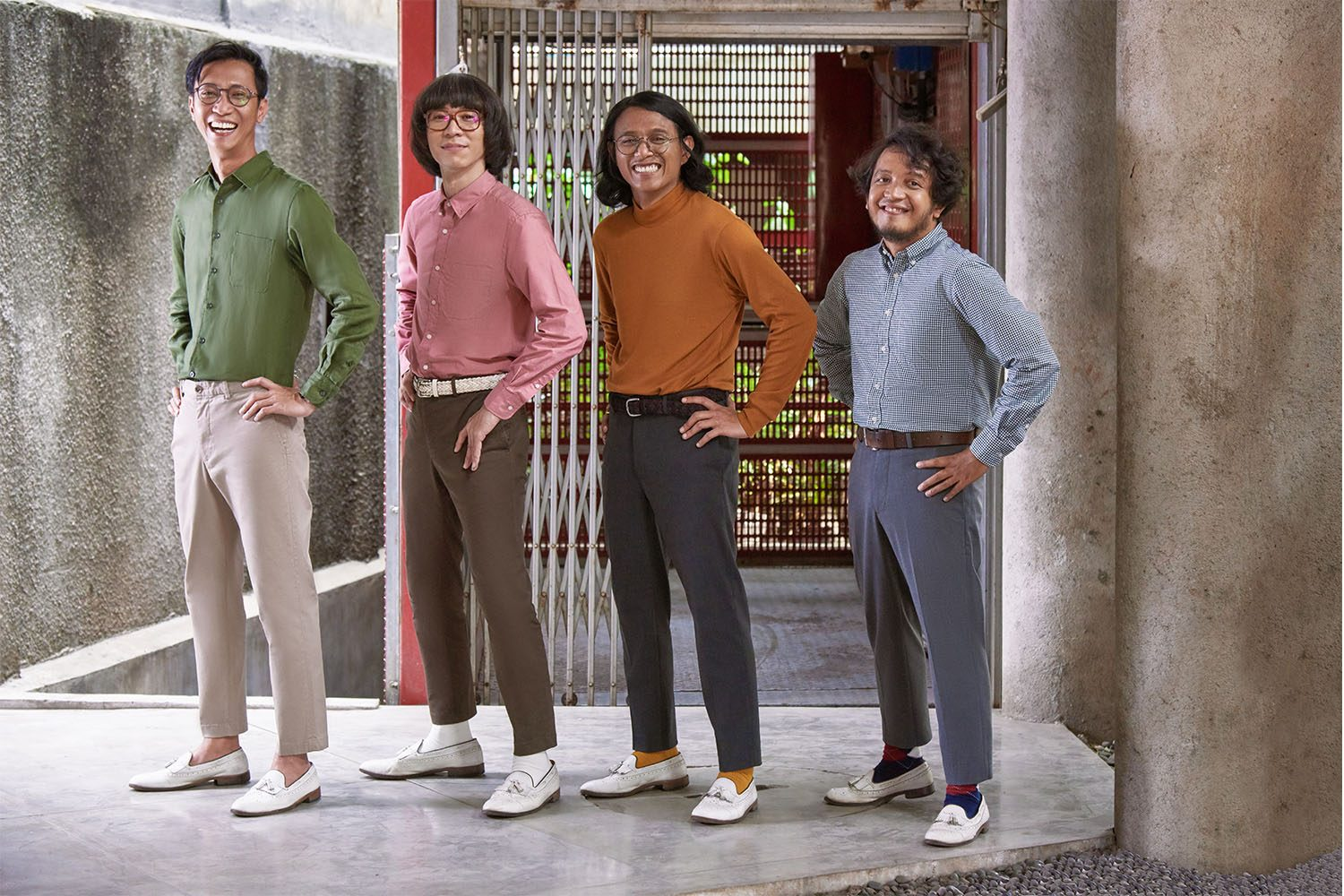 UNIQLO INDONESIA X WHITE SHOES AND THE COUPLES COMPANY 3